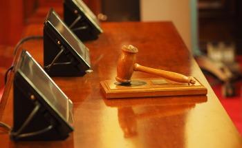 El TS considera que la Administración pueda sancionar por cláusulas abusivas sin sentencia previa